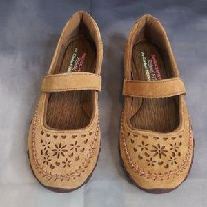 Skechers Leather Mary Janes Relaxed Fit 49323/Sz 6